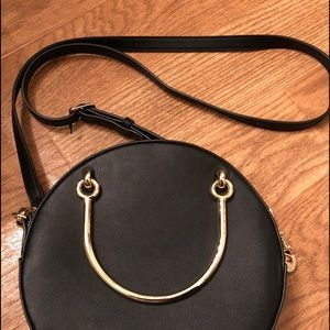 Trendy Fall round black bag , Nine West crossbody